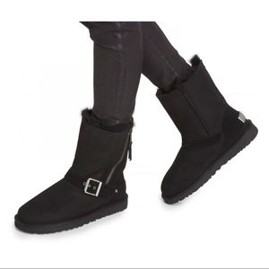 UGG Black boots with zipper